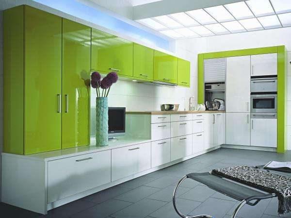 кухня оливкового цвета в стиле хай тек