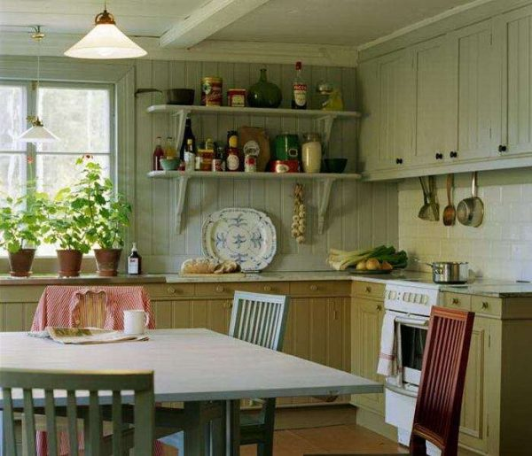 фисташковый на кухне прованс