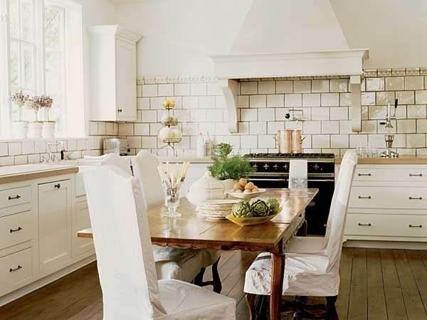 вытяжка на кухне в стиле прованс