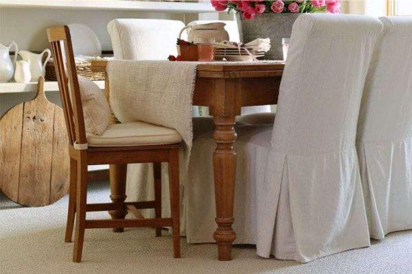 обеденные стулья на кухне в стиле кантри