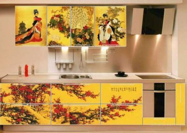 жёлтые фасады на кухне в японском стиле
