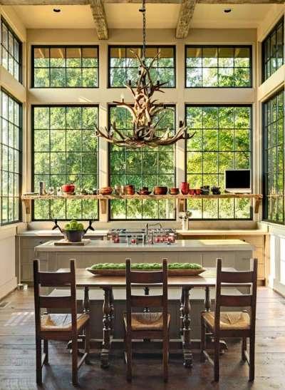 люстра стилизированная под рога оленя для кухни