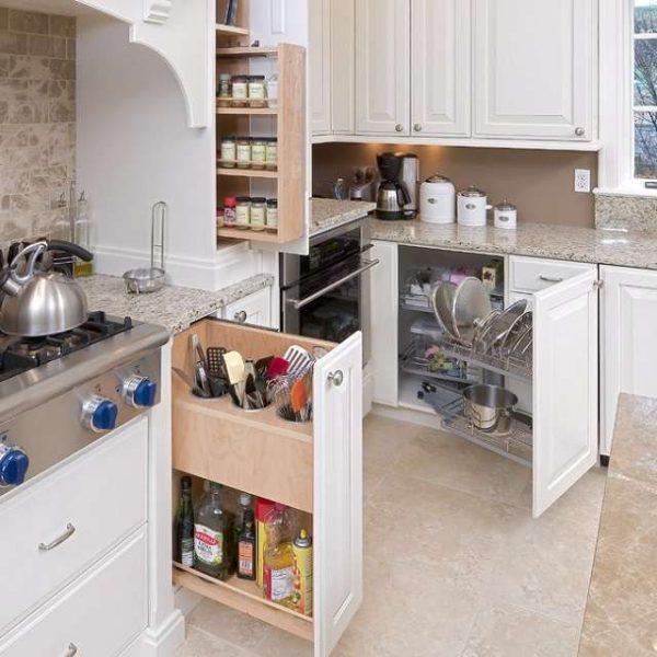 видвижные полки нижних шкафов для малогабаритной кухни