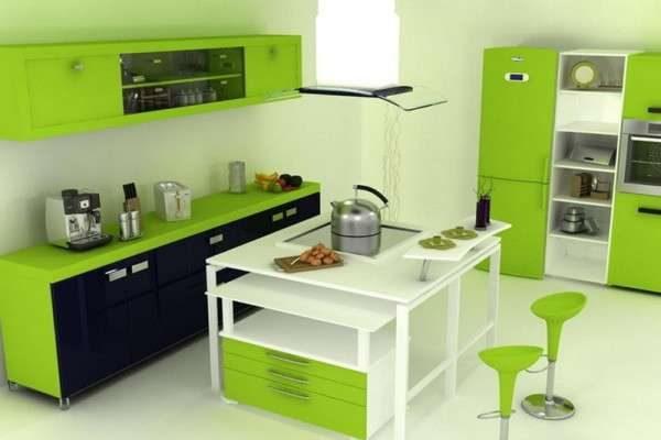 зелёная кухня со светлыми стенами