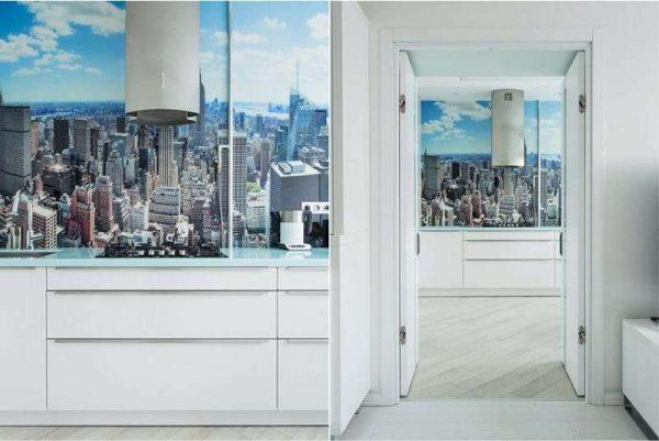 фотообои с изображением города в интерьере кухни