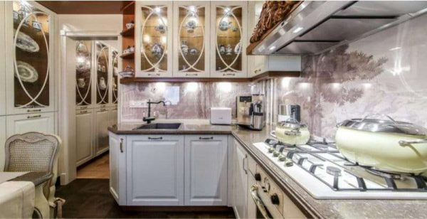 фотообои на фартуке кухни