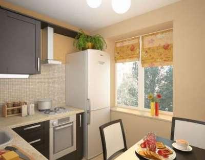 угловая маленькая кухня с холодильником