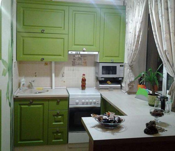 ремонт зелёной кухни шесть метров
