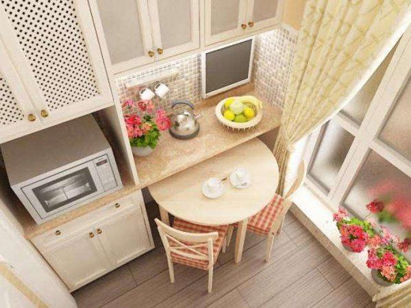 ремонт кухни шесть метров с круглым столом