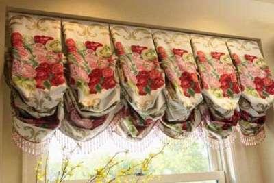 короткие шторы с воланами для кухни