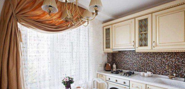 шторы с подхватом и тюль на кухне