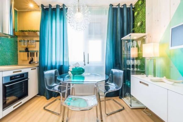 бирюзовые шторы для маленькой кухни