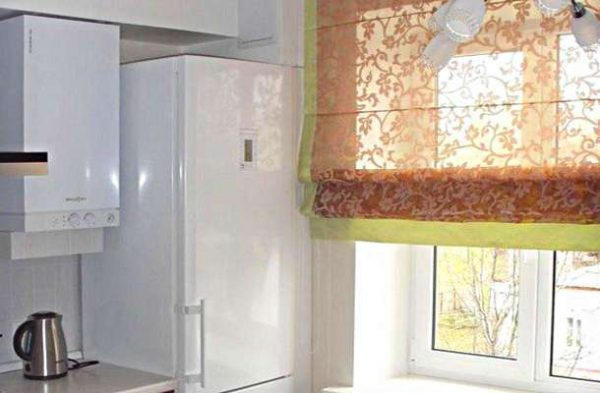 римские шторы для маленькой кухни