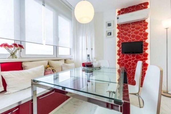 полупрозрачные прямые шторы для кухни