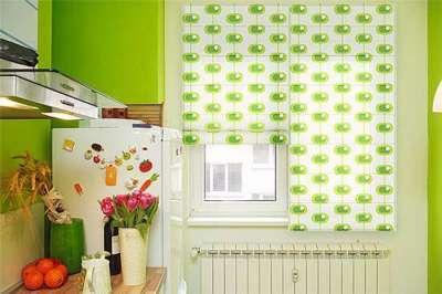 шторы с зелёным орнаментом для кухни