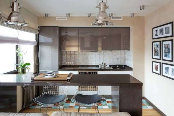 сочетание коричневого цвета с бежевым в интерьере кухни