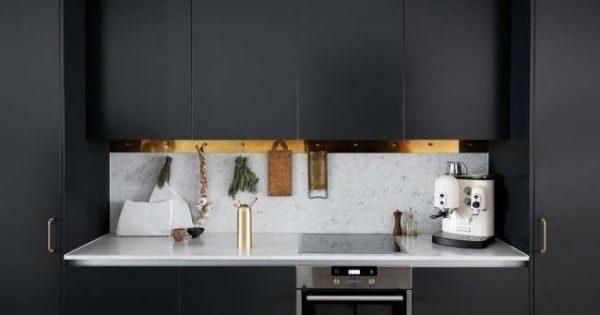 сочетание чёрного с белым в интерьере кухни