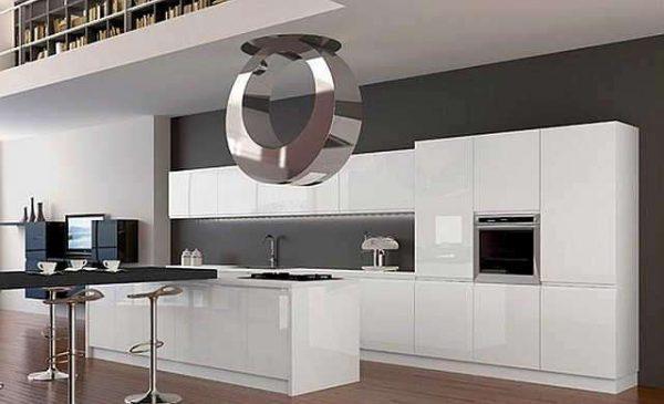 необычный светильник на кухне в стиле хай тек