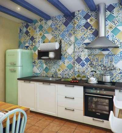 потолочные балки на кухне в средиземноморском стиле