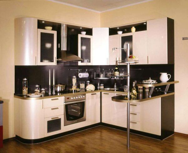 бежево-чёрная угловая кухня бюджетная