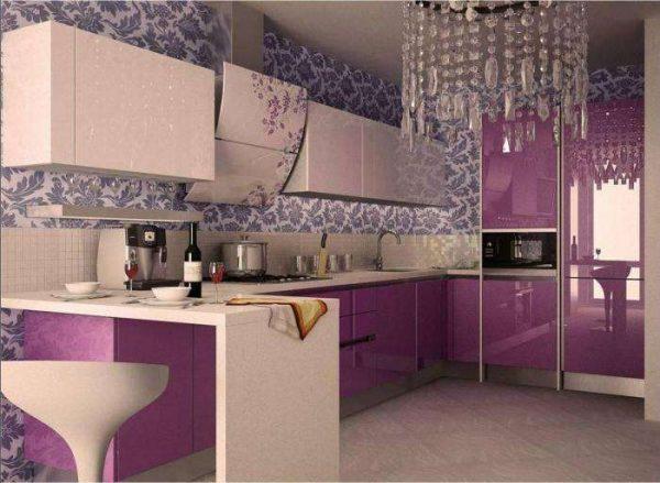 фиолетовый угловой гарнитур для малогабаритной кухни