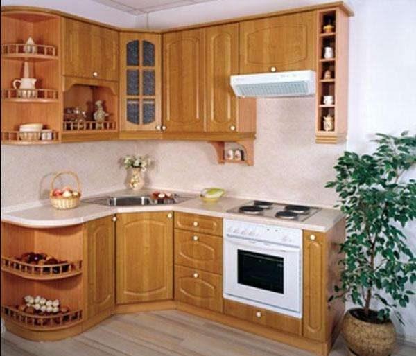 маленький угловой гарнитур на кухне