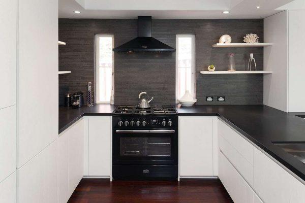 П-образная кухня для малогабаритной кухни