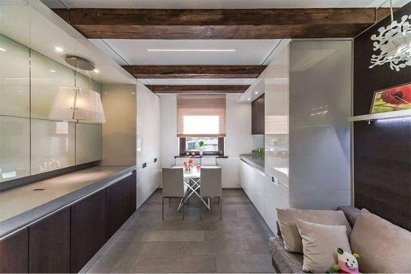 интерьер кухни гостиной с параллельными шкафами