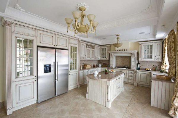 Патинирование и кракелюр на кухне в классическом стиле