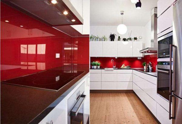 красный фартук в интерьере светлой кухни