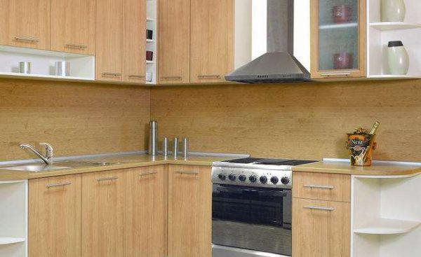 угловая светлая кухня своими руками из мебельных щитов