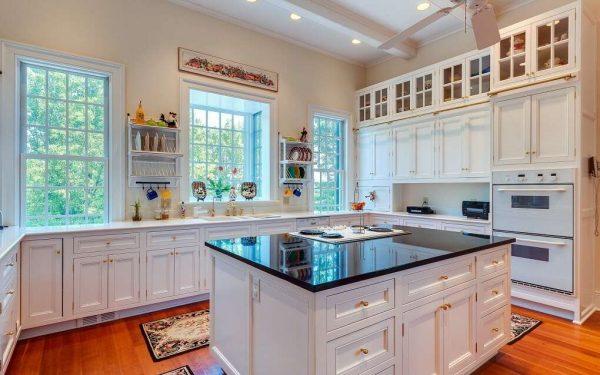 три окна на кухне