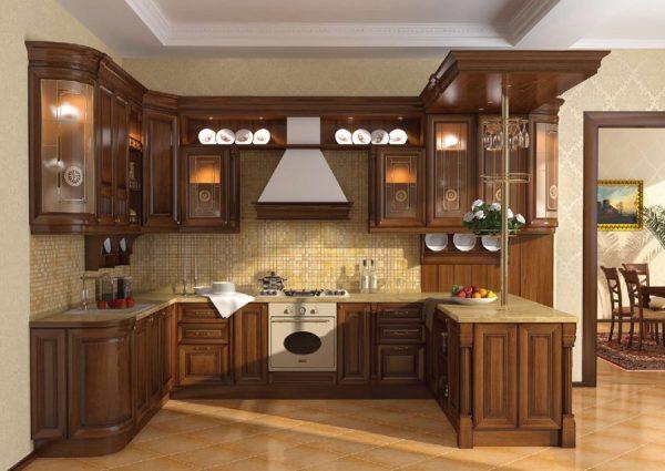 гарнитур из массива в интерьере кухни в классическом стиле