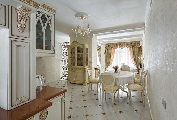 интерьер кухни в классическом стиле со штукатуркой