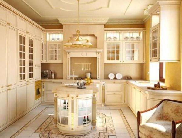 интерьер кухни в классическом стиле с полом из мрамора