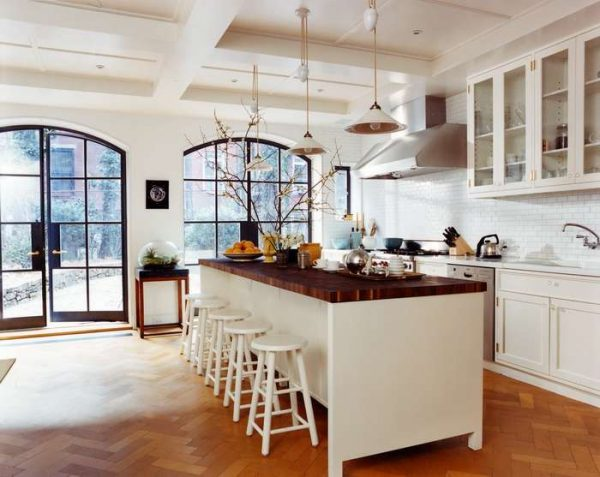 интерьер кухни в классическом стиле паркет на полу