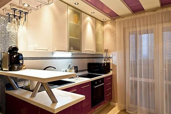 кухня с барной стойкой в однокомнатной квартире
