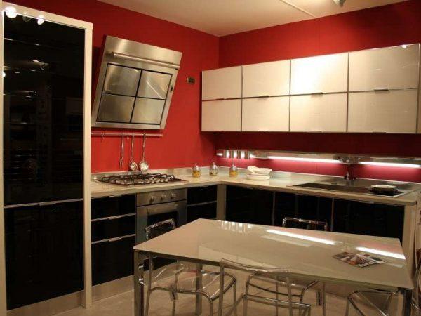 окрашенные стены в интерьере кухни в стиле модерн