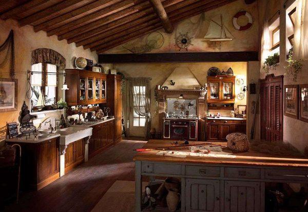 потолочные балки на кухне в стиле шале