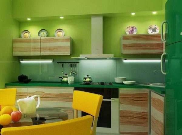 зеленая кухня в эко стиле