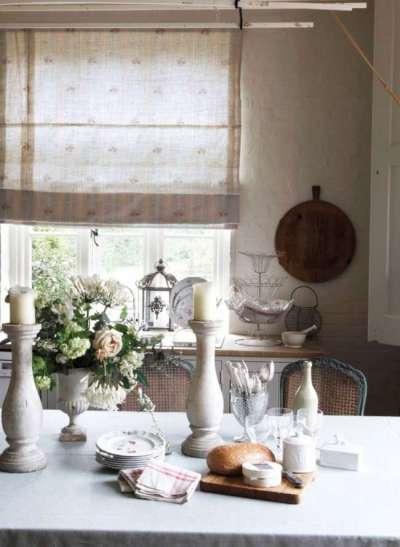 римские шторы в интерьере кухни прованс
