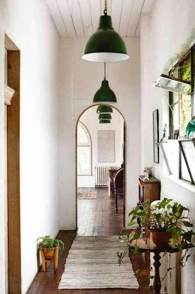 арка в узком коридоре в квартире