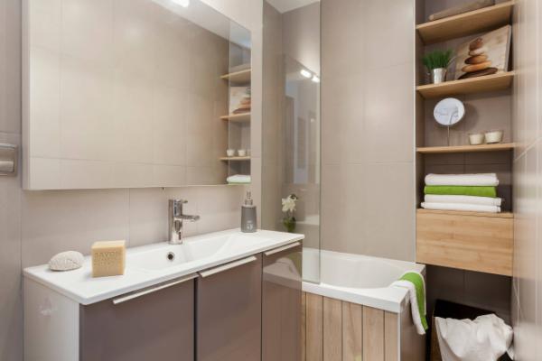 интерьер бежевой ванной комнаты
