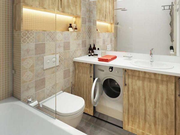 интерьер маленькой ванной комнаты со стиральной машиной