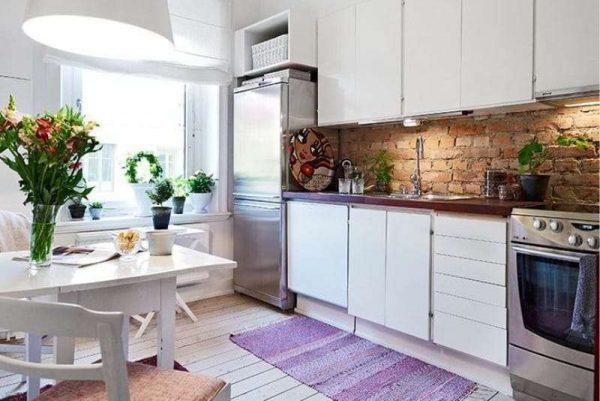 сиреневый цвет дорожки на кухне