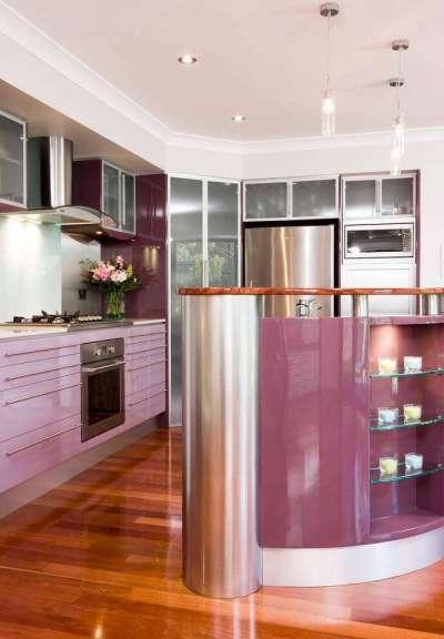 сиреневый цвет в интерьере кухни