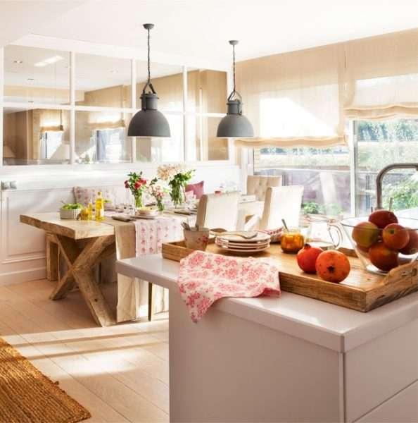 стильные светильники в интерьере кухни столовой гостиной