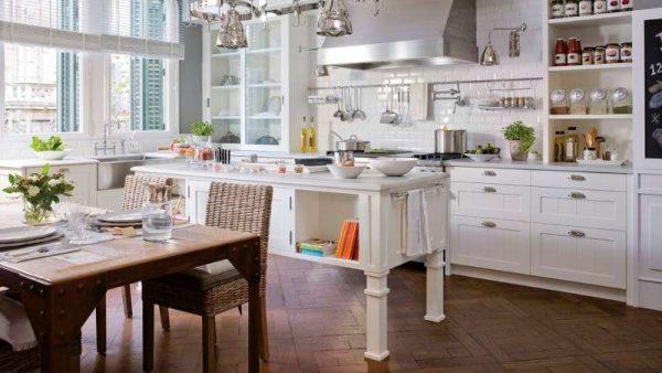 островной стол в интерьере кухни столовой гостиной