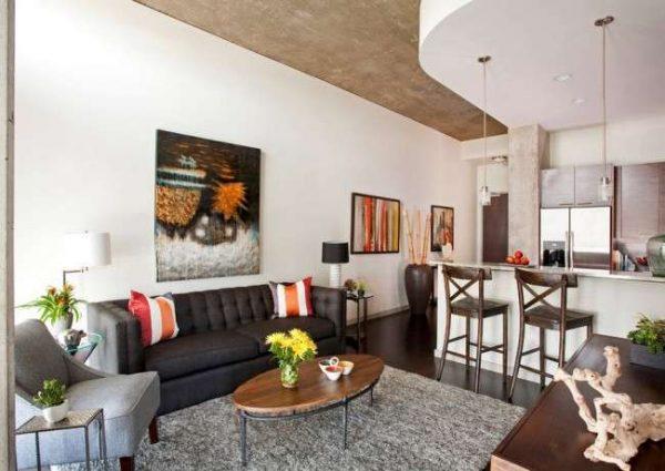 многоуровневый потолок на кухне гостиной со столовой