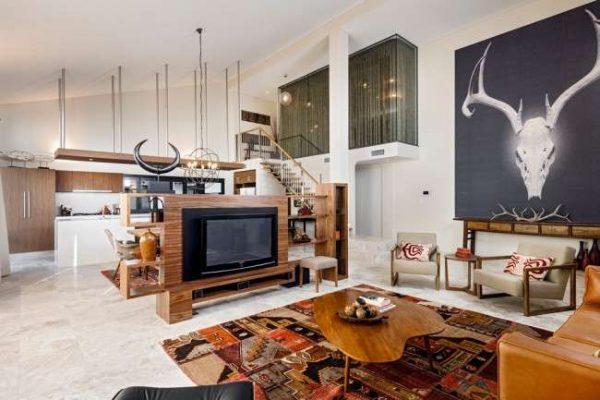 телевизор в интерьере кухни столовой гостиной